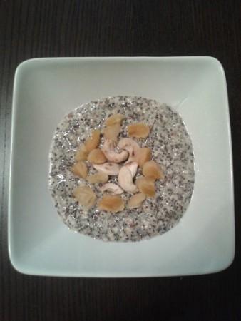 Aszalt sárgabarackos-mákos zabkása