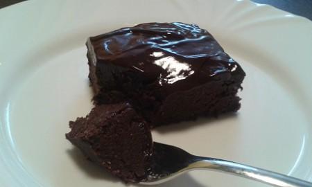 Fitnesz csokis brownie sütés nélkül