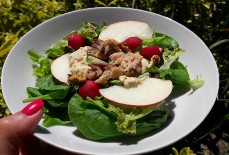 Zöld saláta szardellás öntettel