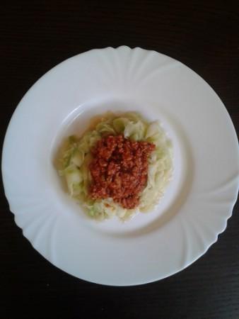 Bolognai mártás cukkini spagettivel