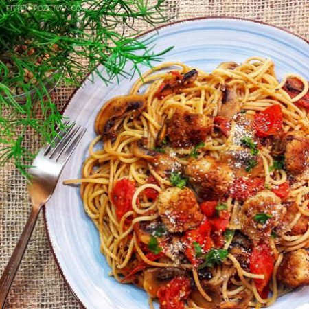 Paradicsomos gombás durum spagetti húsgombóccal